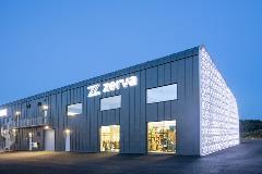 Zerva er en arbeidsplass for 20 personer og har møterom med plass for over 40 kunder. De fleste kundene kommer fra Skaraborg fylke.