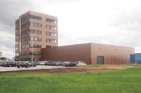 UPS:n uusiin toimitiloihin Kaunasissa kuuluu yksikerroksinen halli ja seitsemänkerroksinen toimistorakennus.