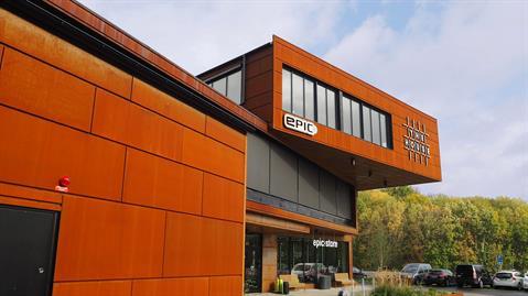 Primo ingår i utvecklingsprojektet Nya Hovås. Primos representationsutrymmen och bastur kan hyras även av andra än Primos egna affärslokalers hyresgäster.