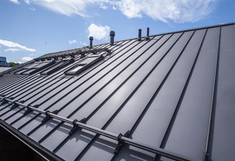Classic-standing-seam-roof-04